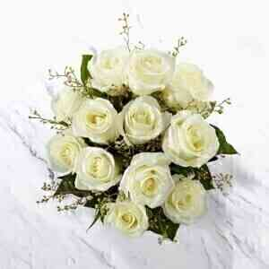 12 White Roses Bunch..