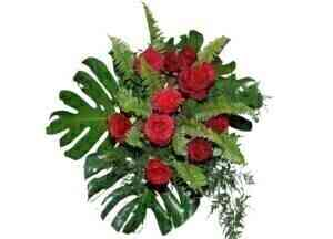 BOUQUET OF RED ROSES..