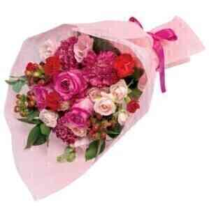Bouquet in pink and red..