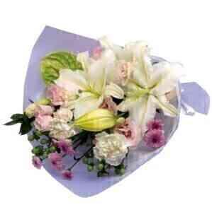 Sympathy bouquet in white..
